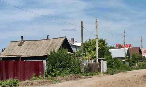 Гипермаркет Ашан со стороны ул. Карбышева