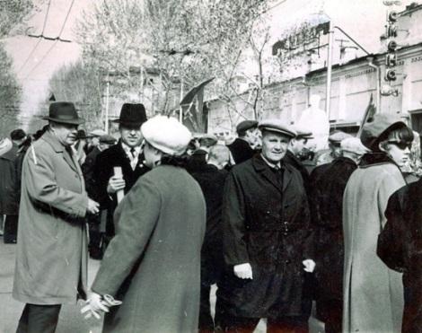 у кинотеатра Смена на Льва Толстого, начало 1960 гг.