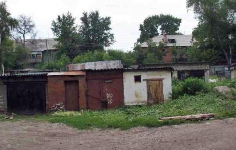 гаражи и сараи - не украшают район