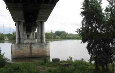 под южным мостом
