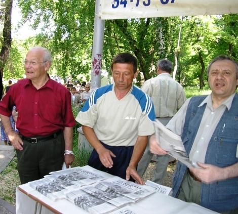 Валерий Волостных (справа)