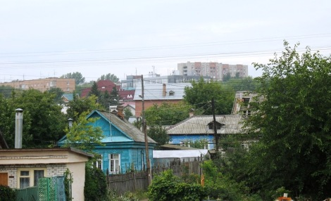 общий вид поселка, на заднем плане видны дома по ул. Аэродромной