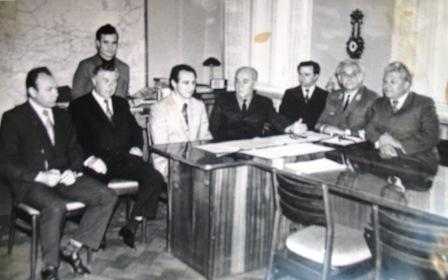 1975 год В Управлении дороги с международным гроссмейстером по шахматам Л. Полугаевским