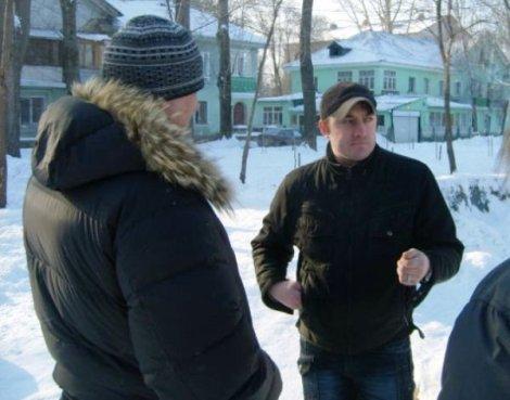 говорит и показывает Роман Ерилин (фото Р. Сараева)