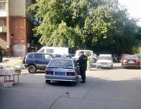 полиция выследила молочников на Ново-Садовой