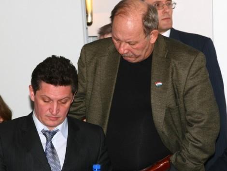 когда Тархова били за сквер Фадеева тему пытался закрывать Арсентьев, но козыри к теме были не у него