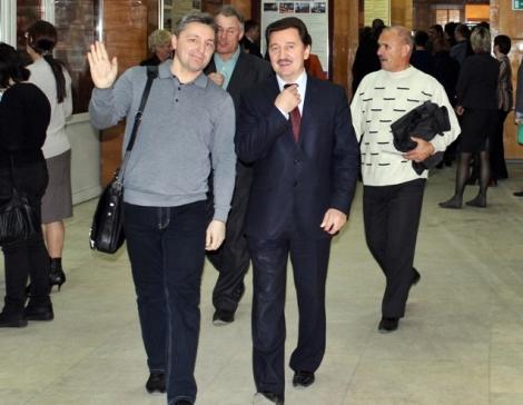 вожди малых партий, если Валерия Синцова (справа) побрить он будет похож на Игоря Ермоленко