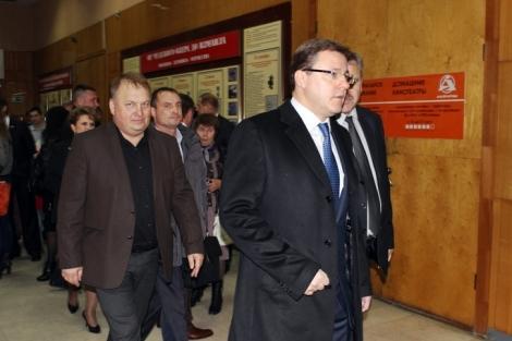 Дмитрий Азаров проходил мимо