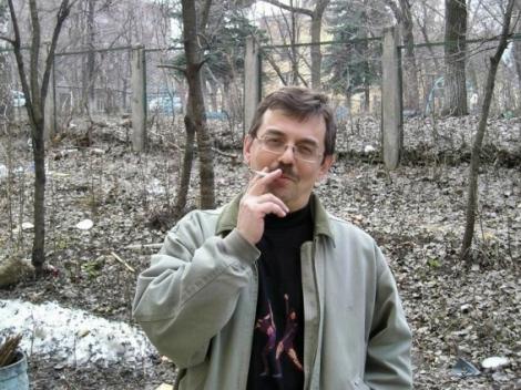 еще недавно любил сниматься с сигаретой