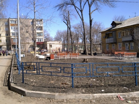 во дворе на Гродненской