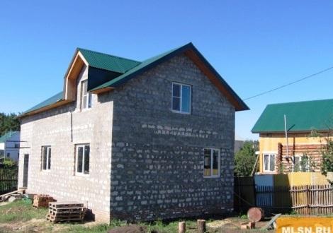за этот дом на Песчаной просят 3250 тыр. (отдадут дешевле)