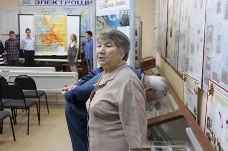 ветераны завода в гостях у школьного музея