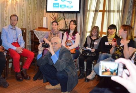 народ пригласил Андрей Асташкин
