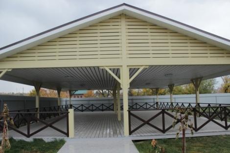 в Богдановке были заранее построены залы для конференций ученых