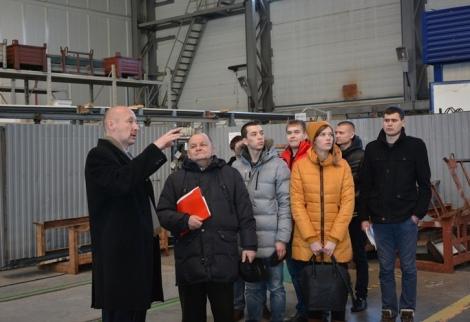 студенты еще СГАУ на заводе