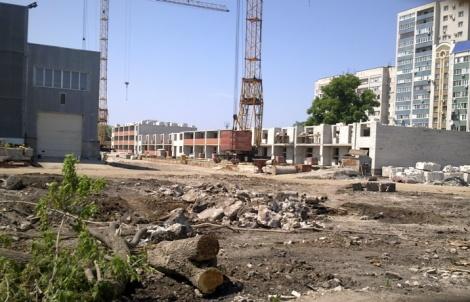 жилье строиться прямо на заводской площадке