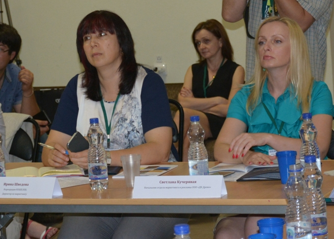 Галина Шведова слева, справа Светлана Кучерявая - маркетинг ДК Древо
