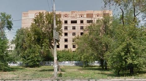 от недостроя на Тухачевской страдают соседние дома