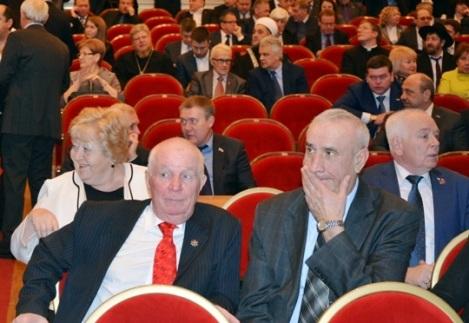 члены общественной палаты из бывших товарищей