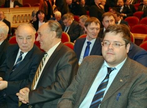 губернатор несколько раз заставлял приветствовать лучшего учителя года Сергея Кочережко