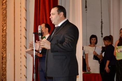награды от гордумы вручал Виталий Куликов