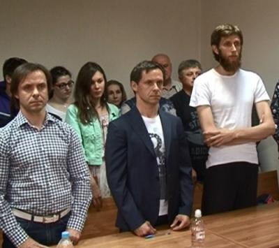 один из Зуевых и Ушаков были под домашним арестом за суммы в десятки миллионов рублей