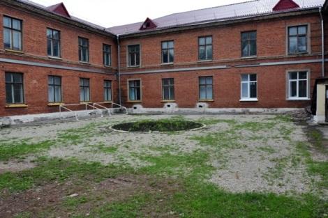 двор школы обновлен
