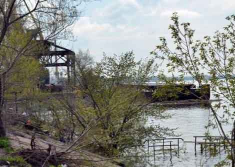 со стороны Голден Групп видно как поднялась вода у порта