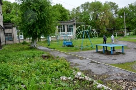 все площадки поселка просят делать во дворе школы 119 - здесь