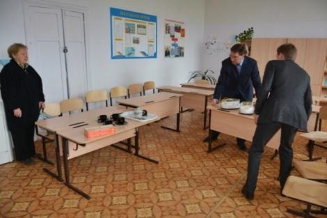 политики готовят аудиторию к встрече с жителями