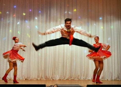 русские танцы поражали зал