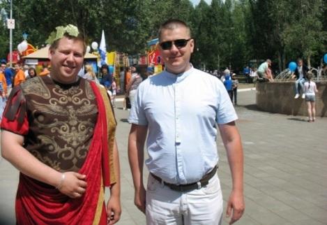 на празднике были известные блогеры - Роман Сараев