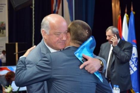 Сазонов поздравляет Мамедова с выдвижением