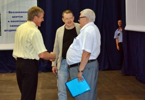 а затем Титов рассказывал журналистам почему надо увеличить сроки выхода на пенсию