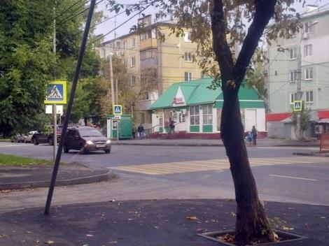 перекресток Дзержинского - Мориса Тореза