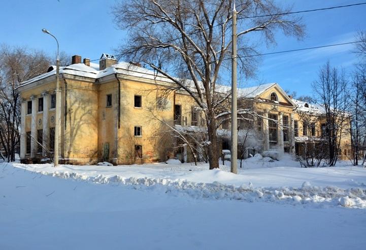 остатки ДК Знамя в снегу